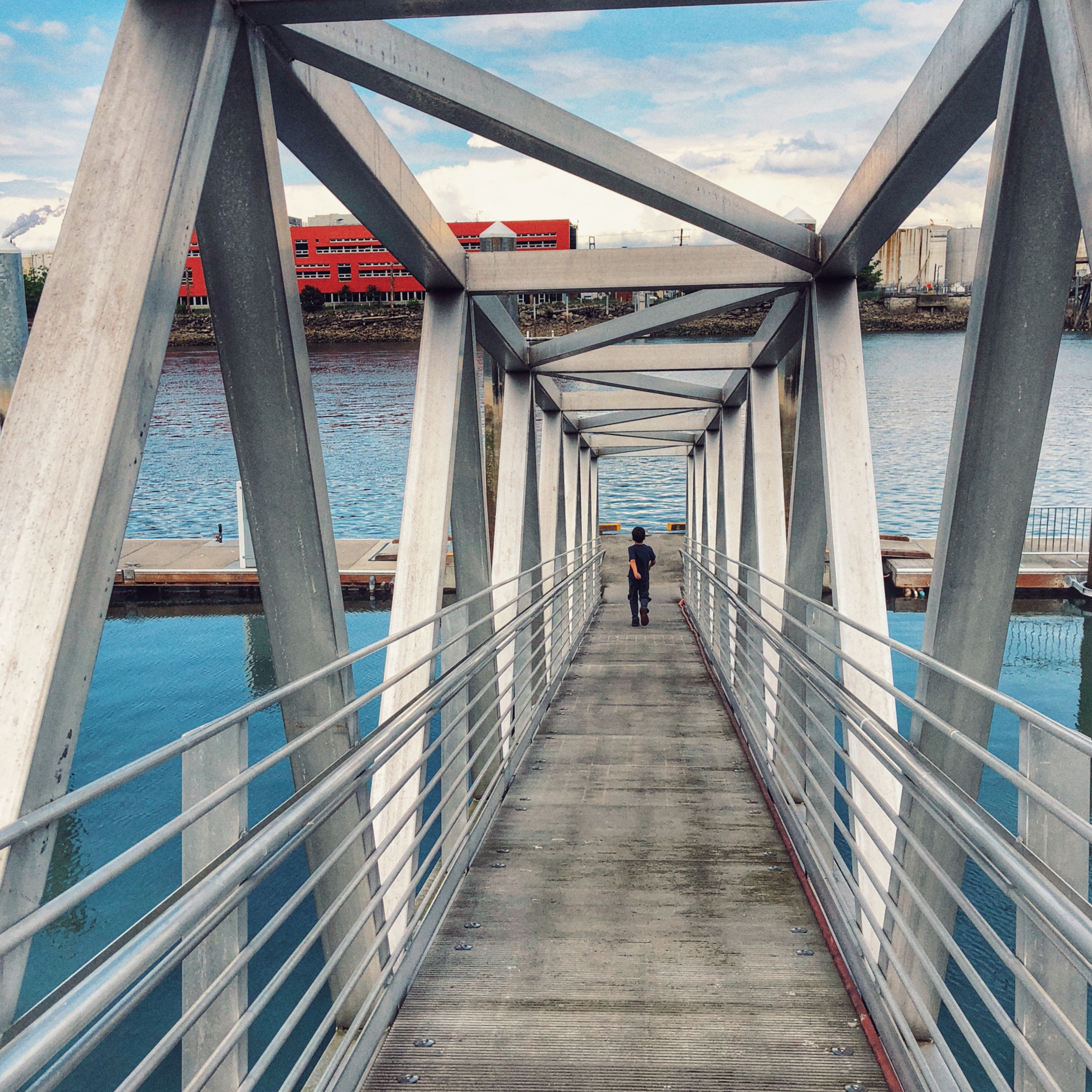 The nearby Bridge of Glass - where you'll get some of your most spectacular Tacoma pictures - is always free of charge as well.(Image: Terumi Pong / Seattle Refined)