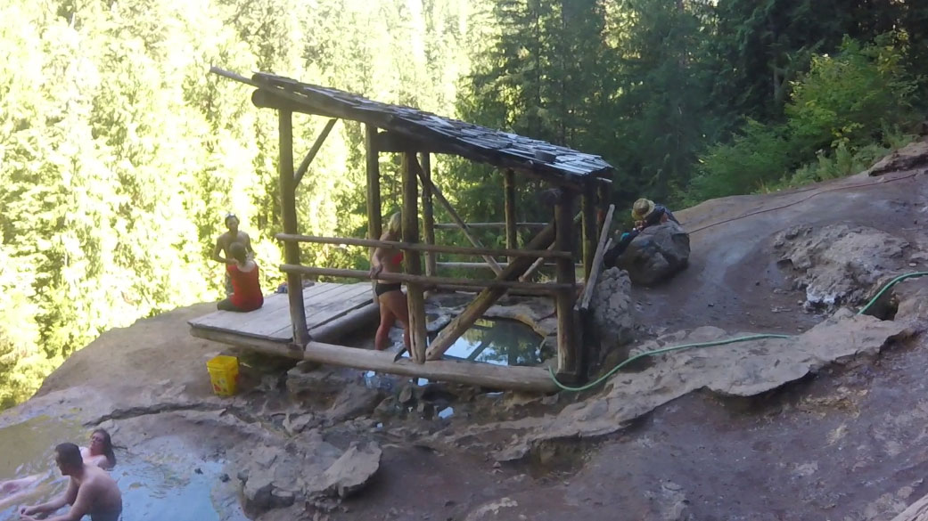 What better way to enjoy the cool weather and changing fall colors than to visit one of Oregon's hot springs? We headed down to Douglas County and checked out the Umpqua Hot Springs. (SBG)