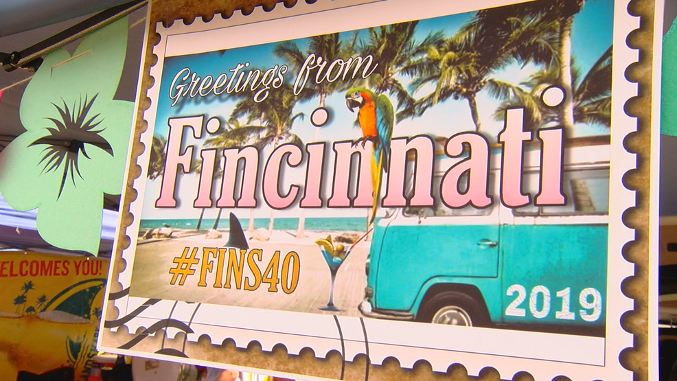 Parrot heads to celebrate 40th anniversary of 'Fins' at Jimmy Buffett