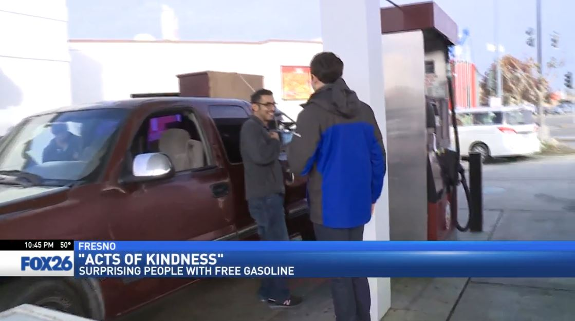 FOX26 Sports Reporter Nick King surprises a customer about to fill up at a gas station in Fresno