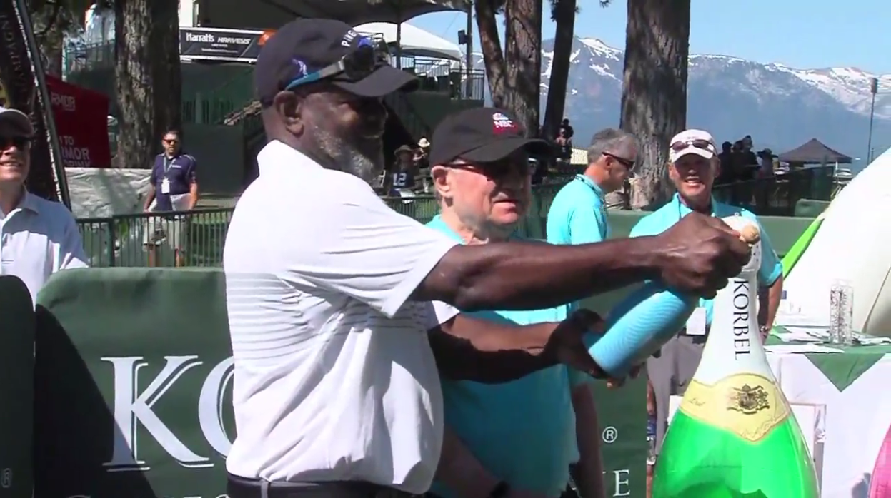 Pro football hall of famer Emmitt Smith takes part in the Celebrity Spray Off at the American Century Championship on Thursday, July 13, 2017 (SBG)