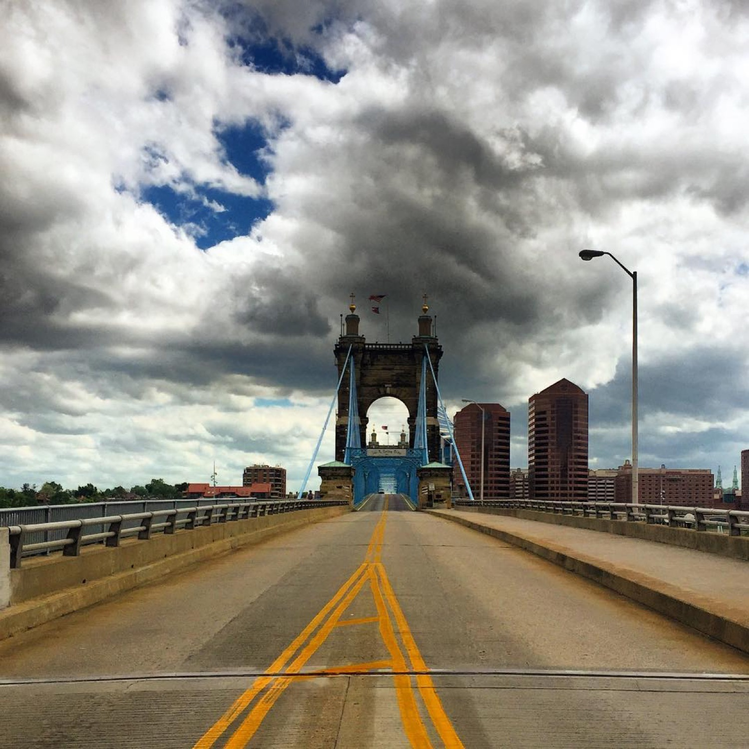 HIKE: The Bridges of Kenton County / AREAS: The Banks to Covington to Newport / ABOUT: Cross two rivers three times on two bridges starting at the Banks and moving into Kentucky (learn more about the path in the story). / Image courtesy IG user @mayadrozdz // Published: 5.19.17