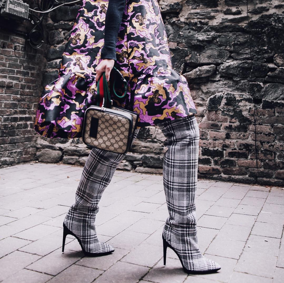 This look is so good, it deserved two photos. The clash of patterns is expertly done and feels effortless like a  true NYFW look.  (Image via @anchyi, photo by @n.c.sweet)