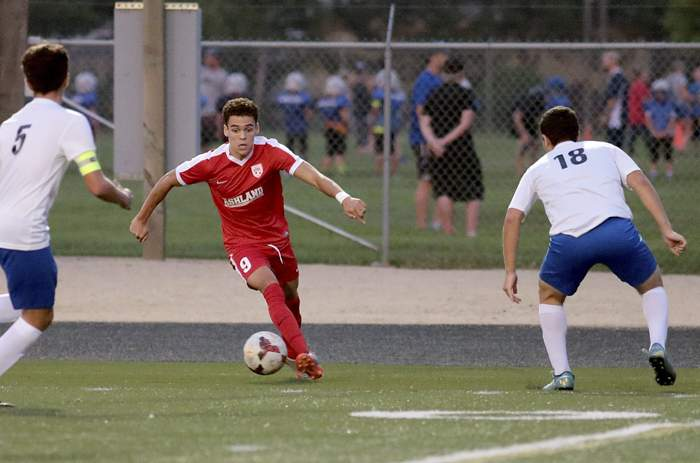 Ashland High Varsity Boys Soccer at Eagle Point. [// PHOTOS BY: LARRY STAUTH JR]