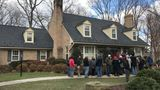 Crowds show up for estate sale at home of late astronaut, Sen. John Glenn