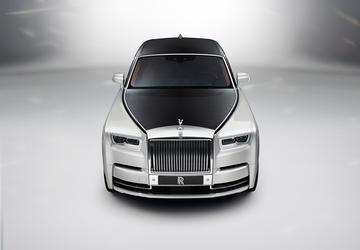 2018 Rolls-Royce Phantom celebrates luxury, technology
