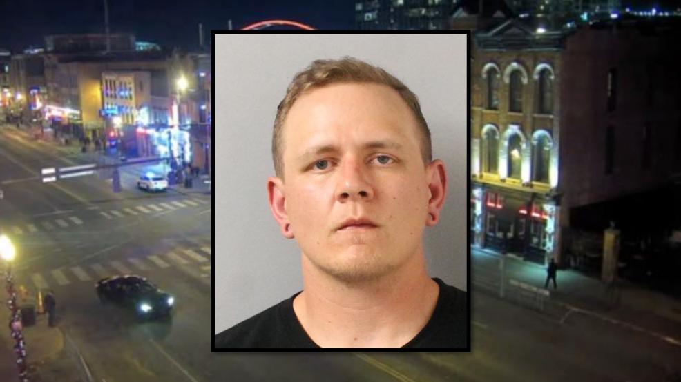 Police: Man urinates on stranger waiting in line at Broadway honky tonk