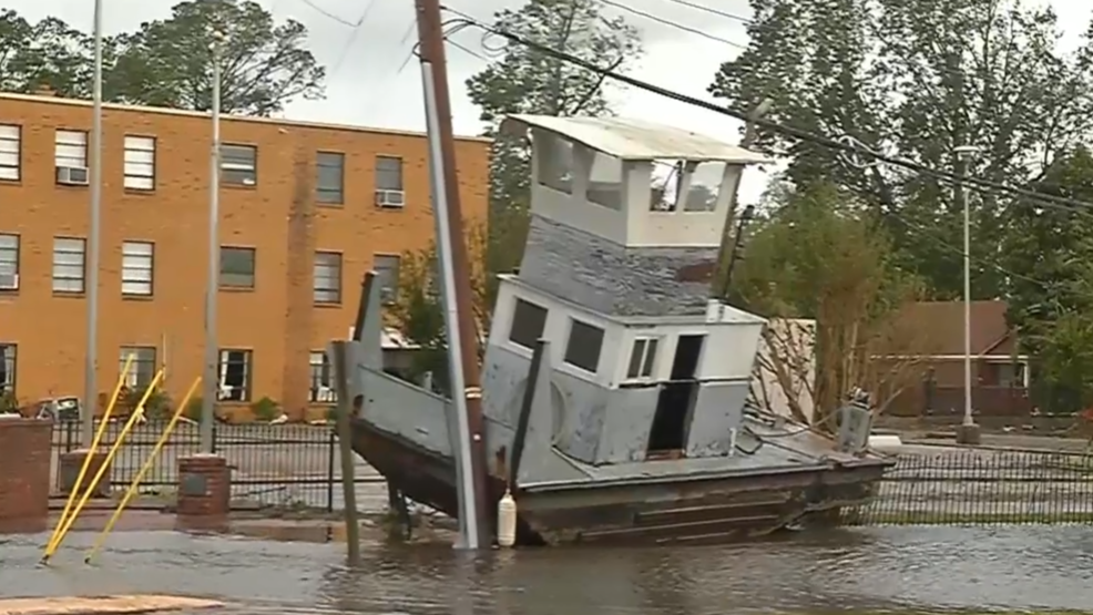 New Burn Nc >> Florence S Storm Surge In In New Bern N C Leaves Boats Stranded On