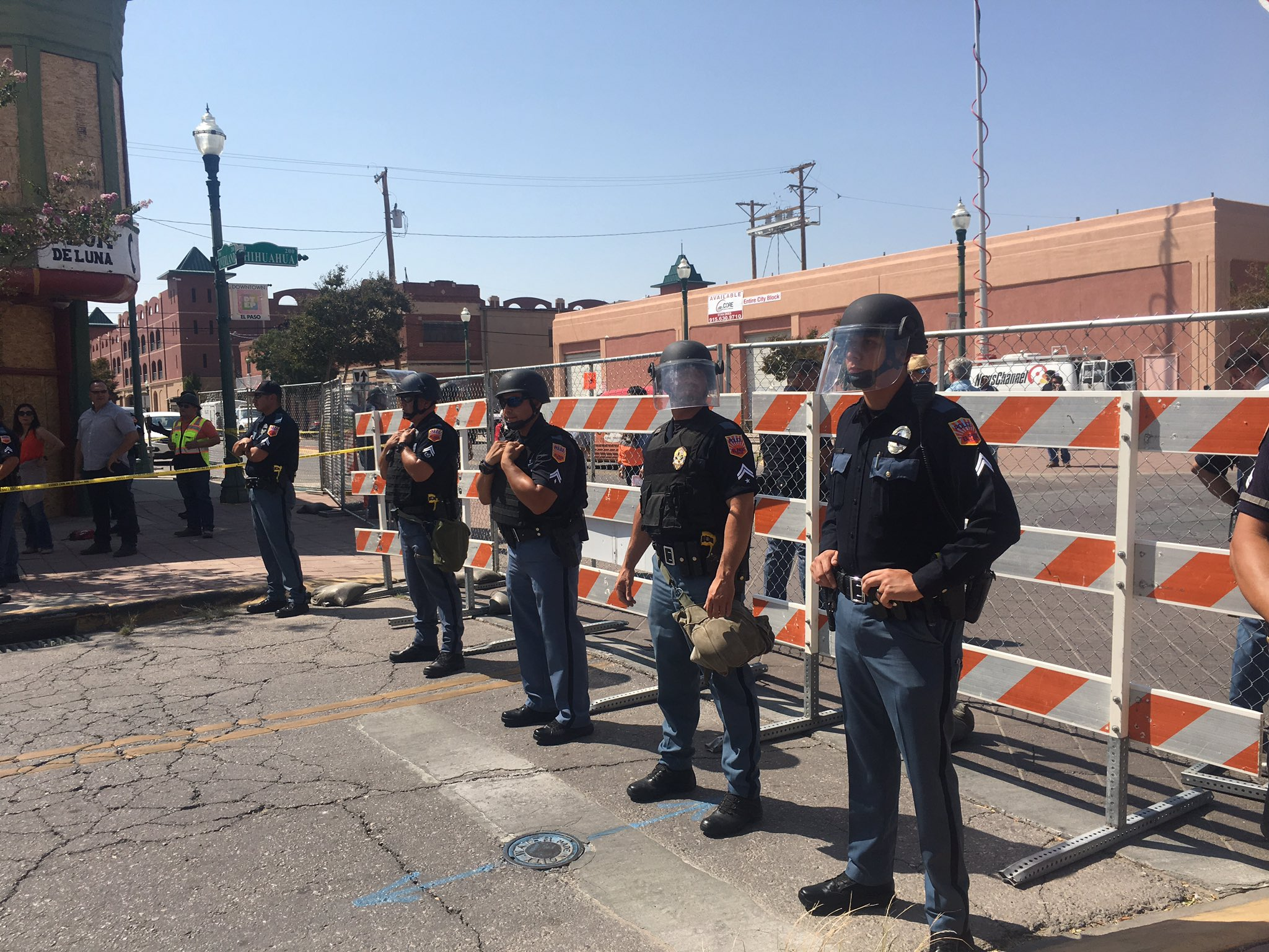 El Paso Police stood in partial riot gear during a protest in the Duranguito neighborhood. Photo: KFOX14 / CBS4
