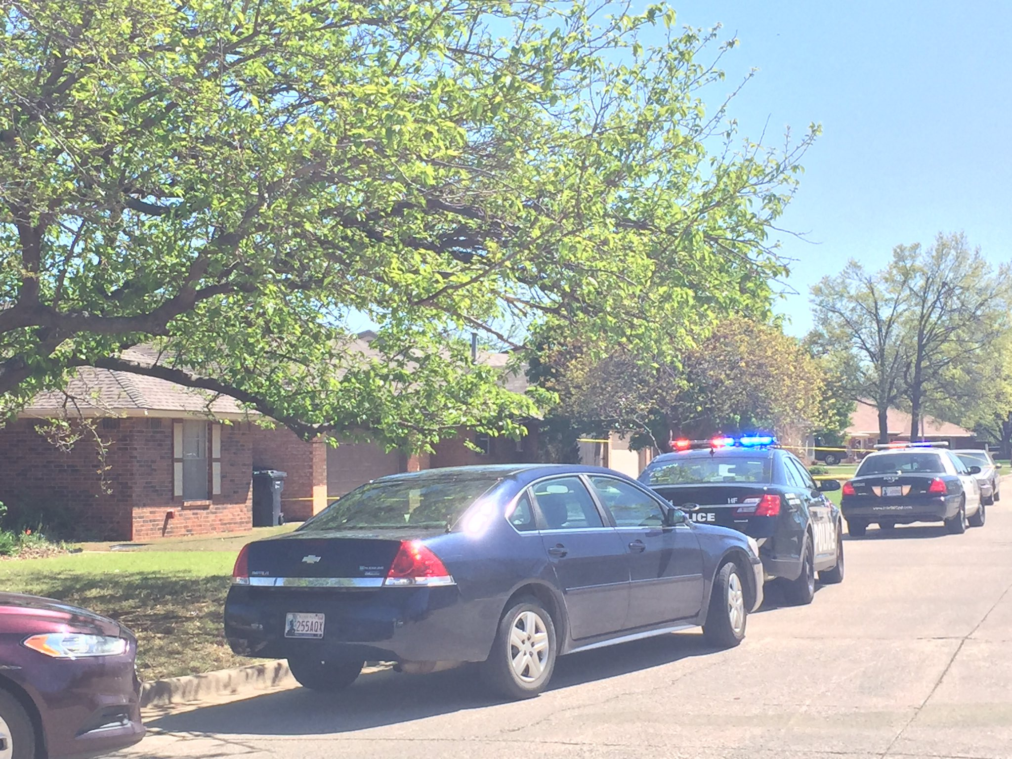 Police investigate the scene of a fatal dog attack April 6 in northwest Oklahoma City. (KOKH/Jordann Lucero)