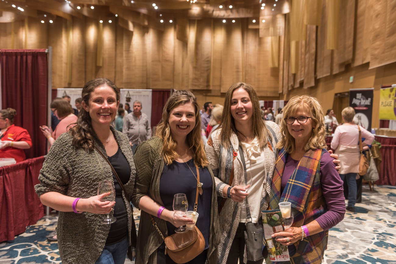 Lindsay Smith, Shannon Luck, with Tricia & Susan Fuller{ }/ Image: Mike Menke // Published: 3.10.19