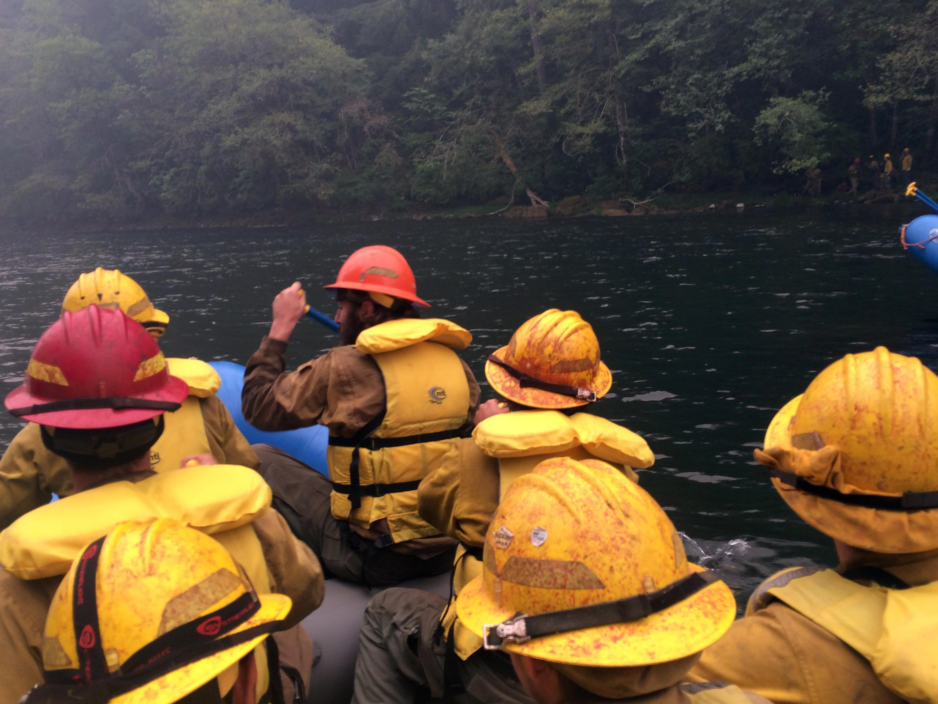 Douglas Forest Protective Association crews paddle to the fire lines August 22, 2017. (InciWeb)