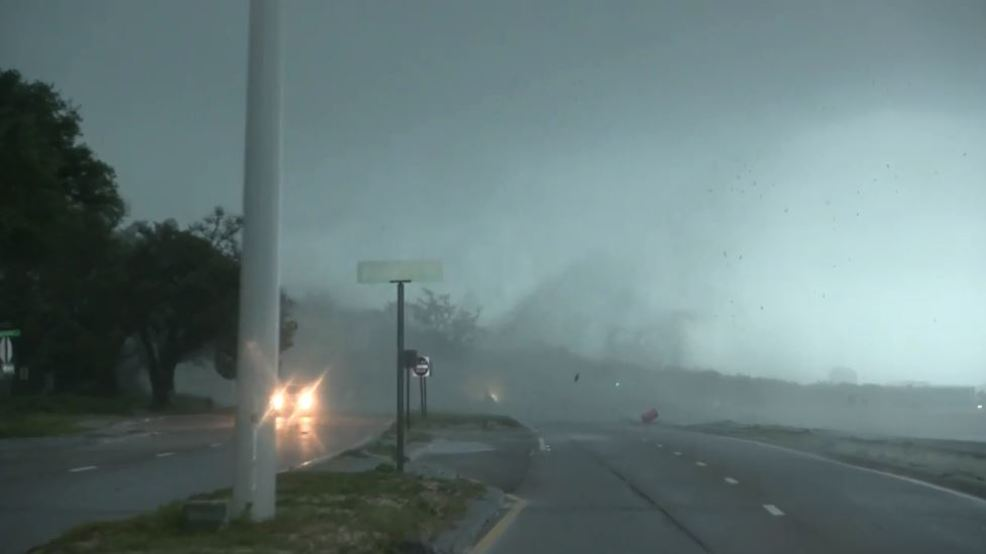 Inside the Storm: Waterspout turns into a Tornado in Mississippi