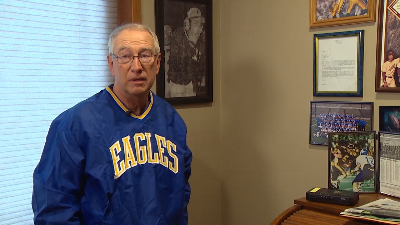 Vic Randall, the longtime coach for the Golden Eagles, reminisced about Pederson's days as a football player. (Photo: KOMO News)<p></p>