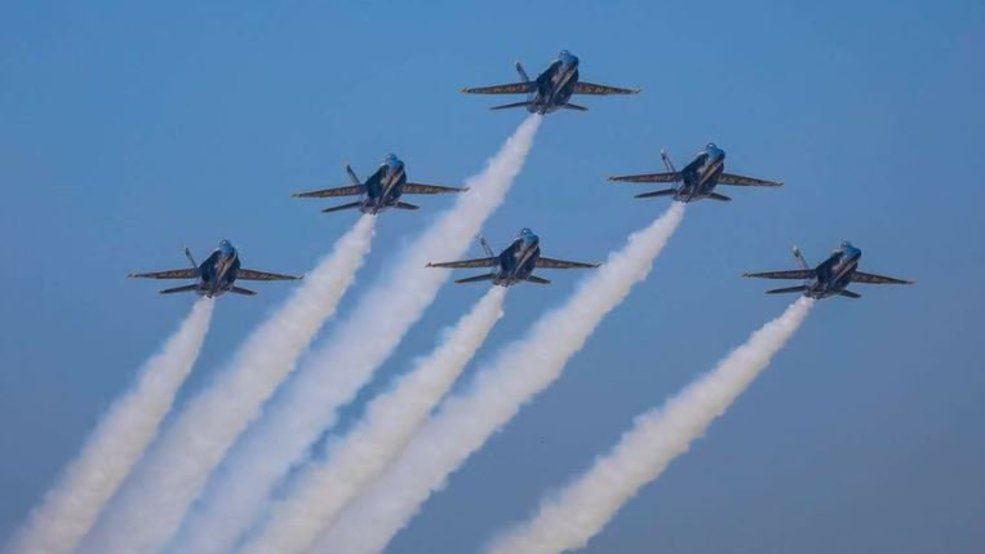 Blue Angels pyramid formation KOMO E.jpg