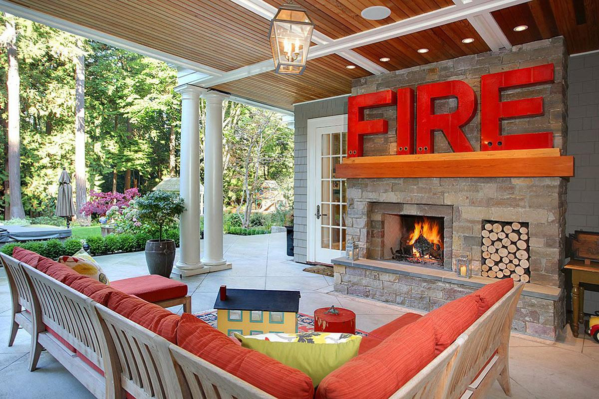This Evands Residence Woodway, WA project was completed by Gretchen Evans Design, and cost $2.0 million.   (Image: Evans Residence / Porch.com)