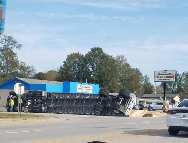 18 wheeler overturns, spills plywood along Bennettsville road, (Viewer submitted photo){&amp;nbsp;}<p></p>