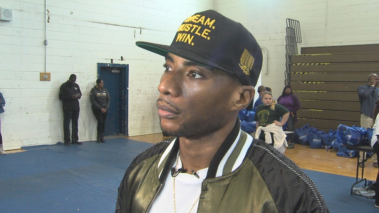 Charlamagne Tha God 2017 annual turkey giveaway at Berkeley High School's old gymnasium (WCIV)<p></p>