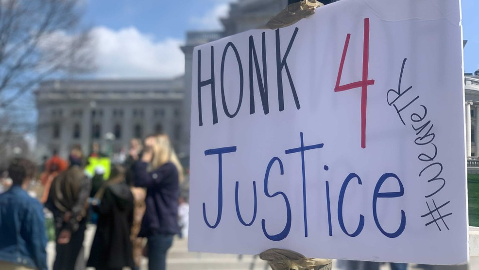 Protesters demand police reform following death of Daunte Wright