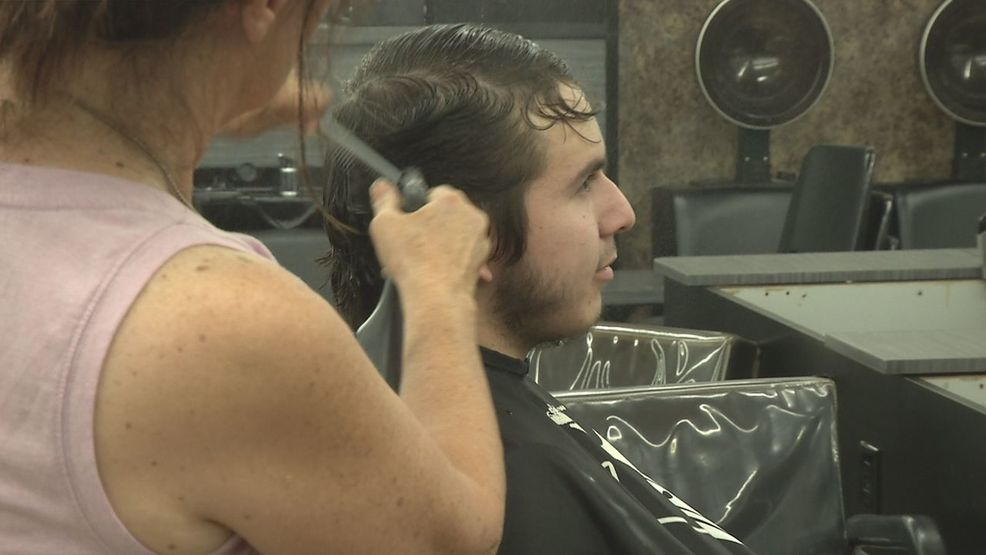 Free Haircuts Given To Carr Fire Victims And First Responders Krcr