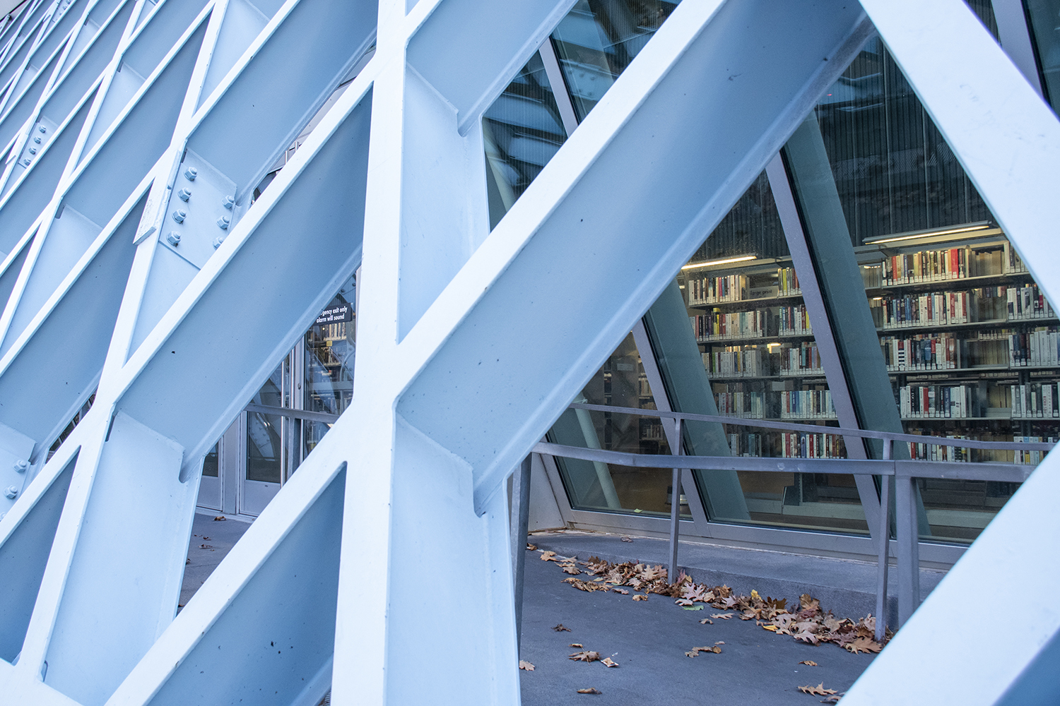 Seattle Central Library's Post Modern architecture attracts many locals and tourists alike. And the bright and colorful interior is equally stunning — offering 1.5 million books and materials spread over 362,000 square feet. (Image: Rachael Jones / Seattle Refined)