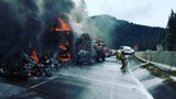 9-vehicle crash, fire damages I-5 south of Wolf Creek