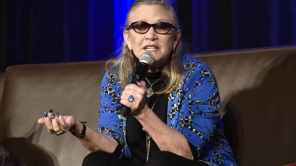 911 call: Pilot speeded up plane to land quickly during Carrie Fisher's medical emergency