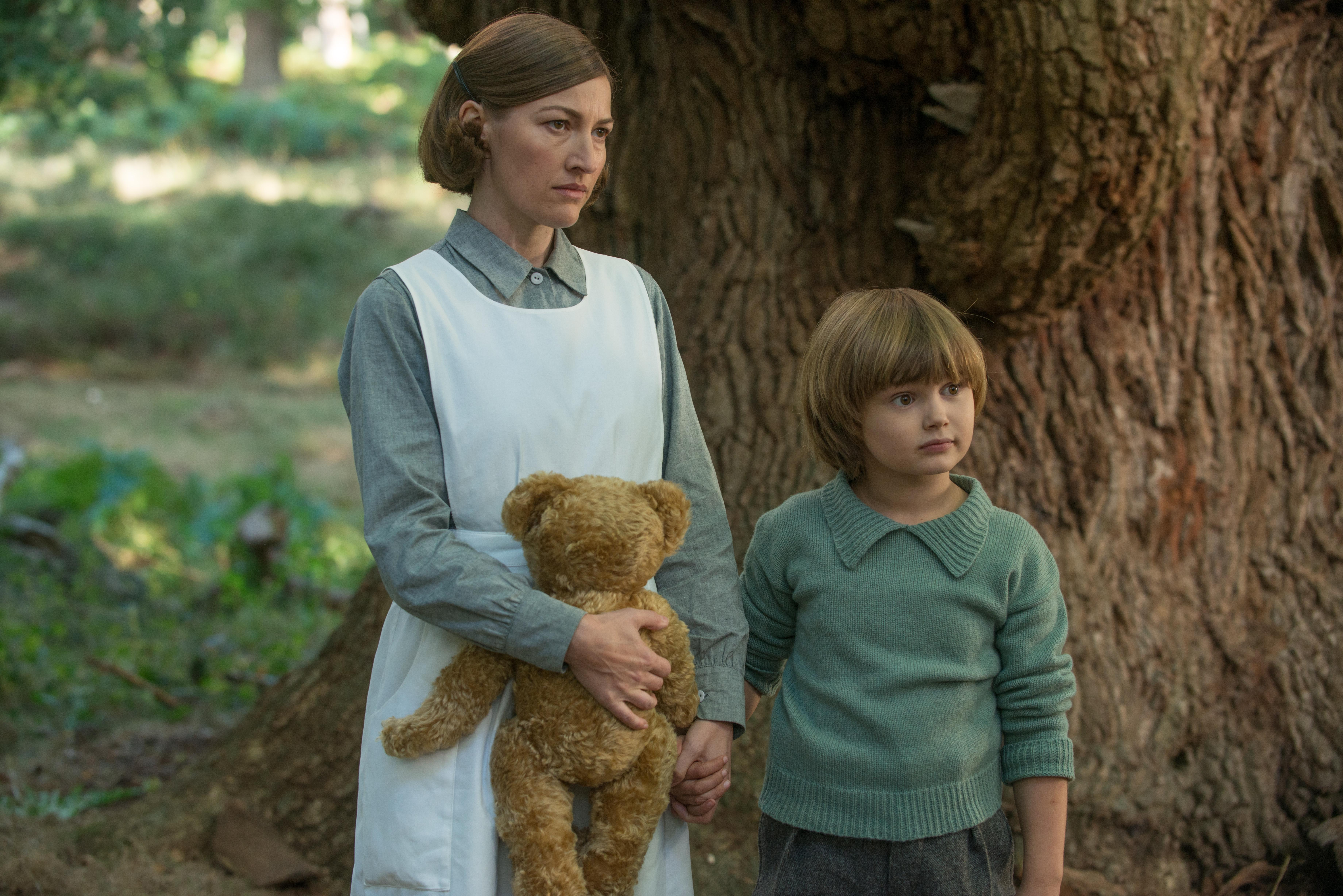 Kelly MacDonald and Will Tilston in the film GOODBYE CHRISTOPHER ROBIN. Photo by David Appleby. © 2017 Twentieth Century Fox Film Corporation All Rights Reserved