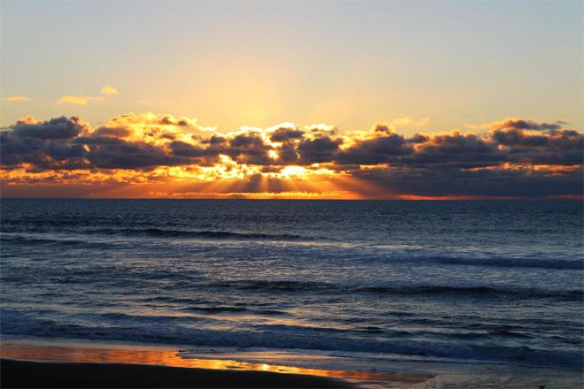 Lincoln City Sunset - (Photo: YouNews contributor: BobHeath)