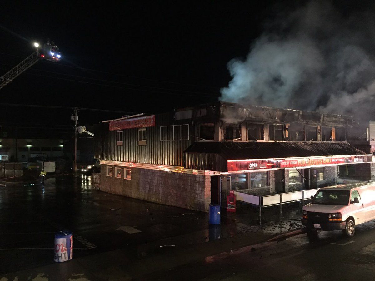 1 found dead in fire that burned Everett bar (Everett Fire Photos)