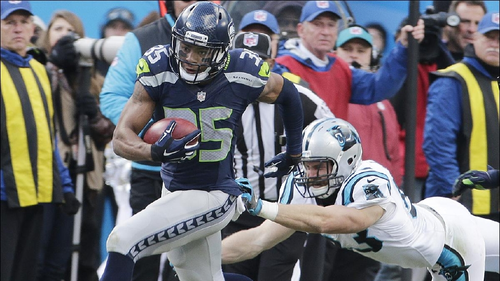 97c08dba-e5b9-4bf0-b106-3444e8e6ac96-large16x9_seahawks_panthers_football__7