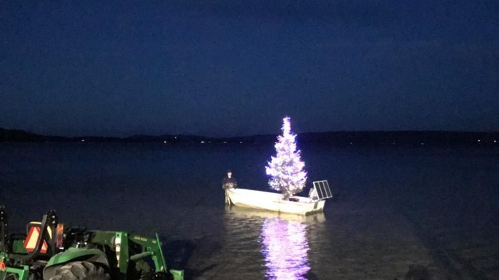 Christmas Tree Boat Tradition Lights Up Glen Lake