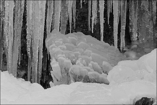 Natural ice sculptures on Chinook Pass, by YouNews contributor jbosox