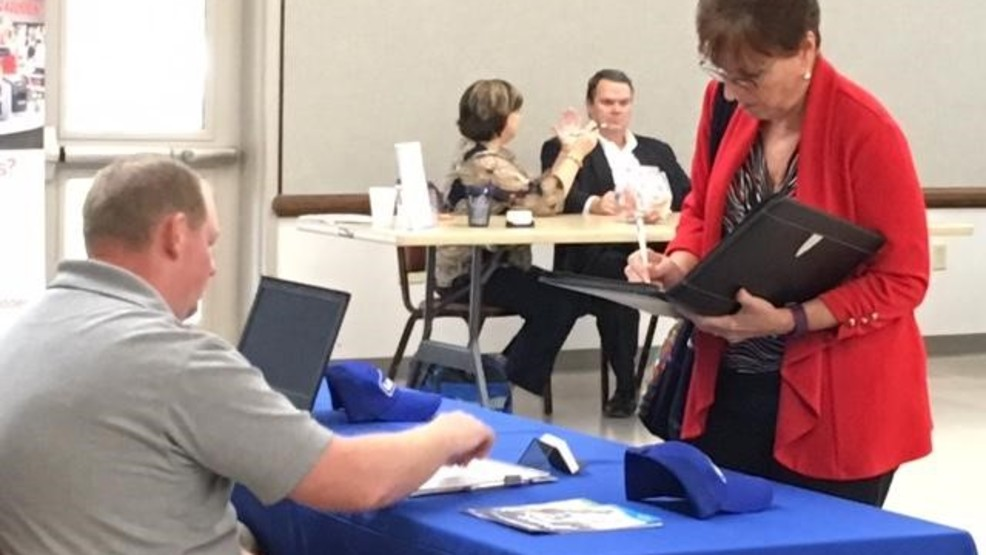 Job fair brings opportunity to Southeast Missouri residents (Source Mike Mohundro KFVS).jpg