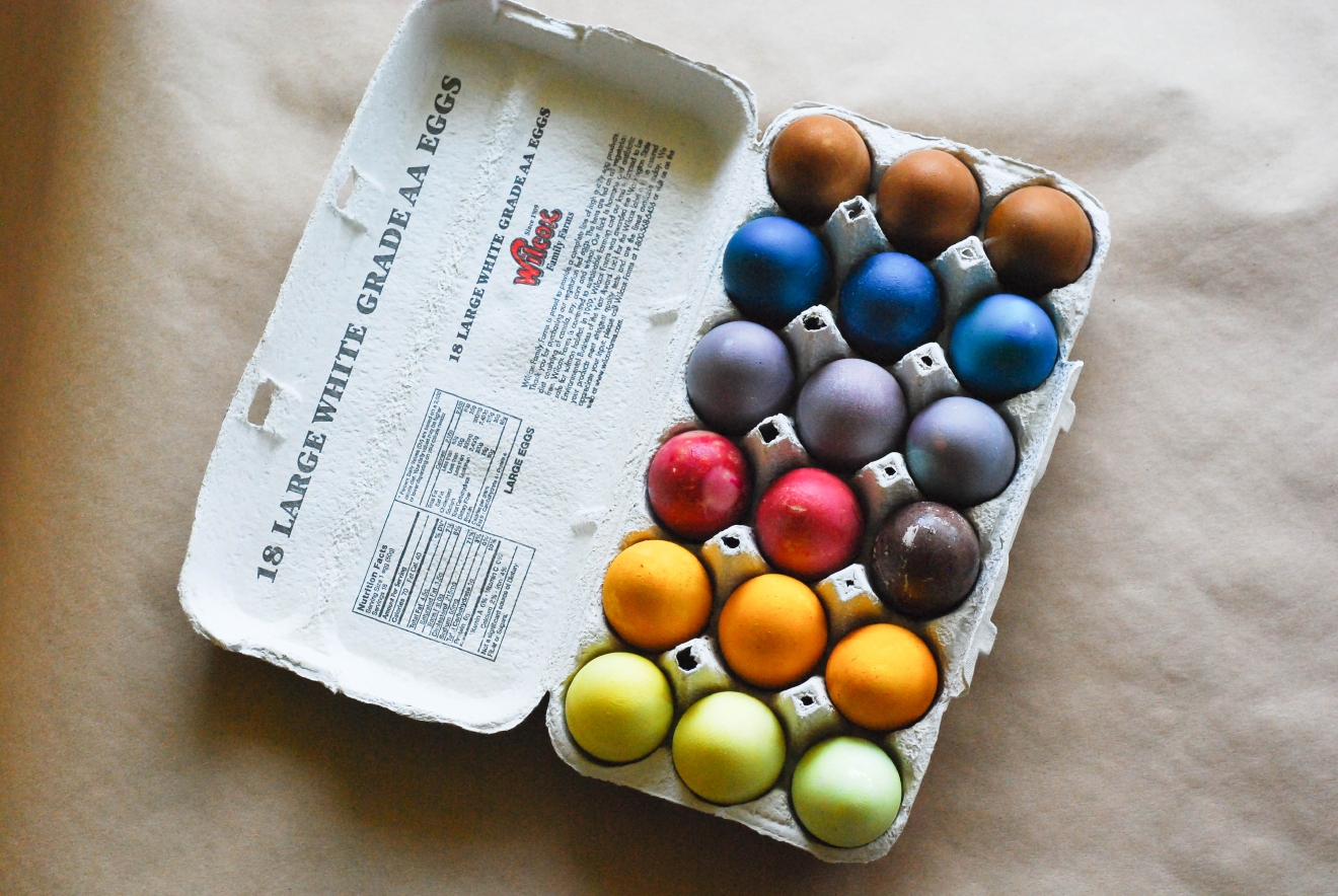 Natural ingredients from your home and yard can end up in vibrant eggs. (Image: Rebecca Mongrain/Seattle Refined)