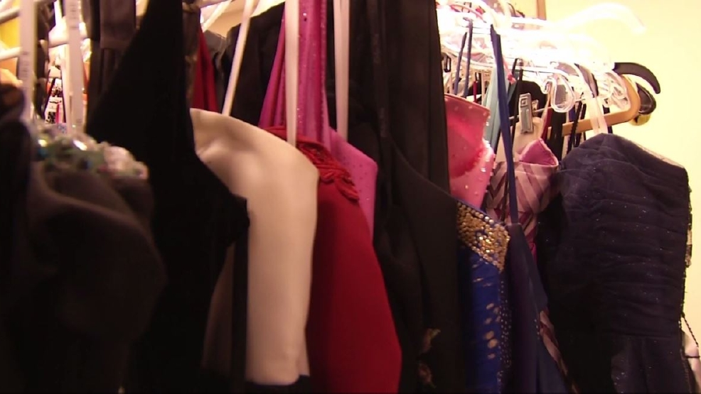 High school students need your help finding prom dresses | KMEG