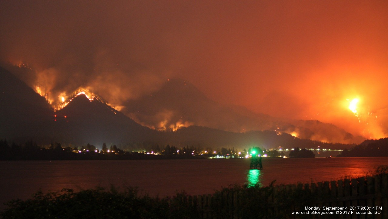 The Eagle Creek Fire burns in the Columbia River Gorge on Monday night, Sept. 4, 2017, forcing hundreds to evacuate. (Photo: Oca Hoeflein)