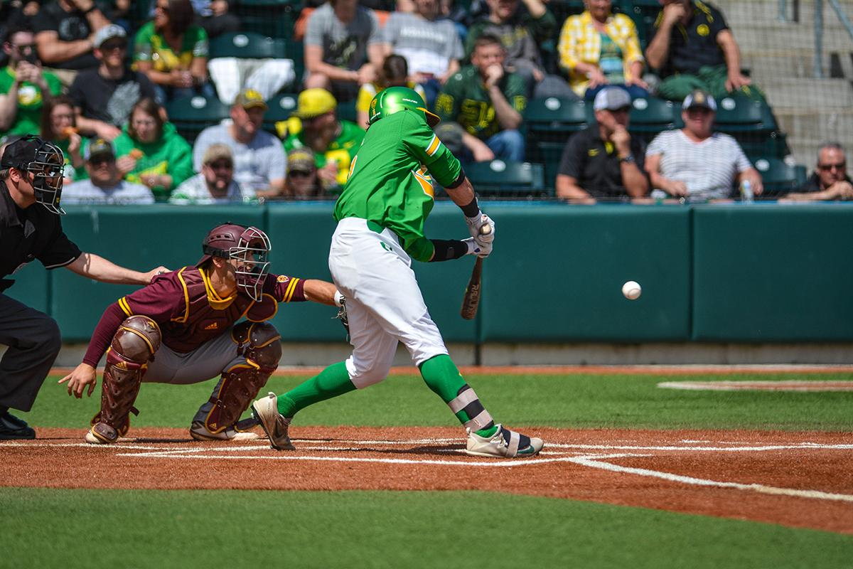 Ducks catcher Tim Susnara (#6) looks to put the ball in play. Despite a late comeback the Ducks fall to Arizona State Sun Devils 4-3 in the second game of a three-game series. Photo by Jacob Smith, Oregon News Lab