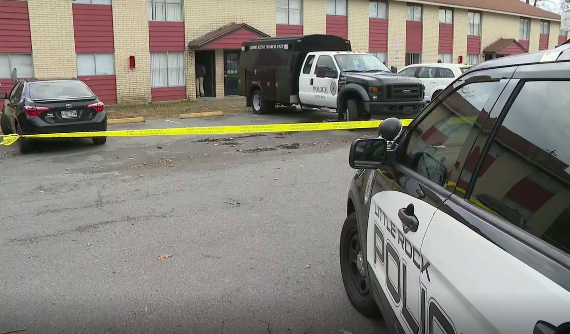 <p>At 2 p.m., authorities were dispatched to the scene at the Rosewood Apartments, located in the 6600 block of Lancaster Rd. (KATV Photo)</p>