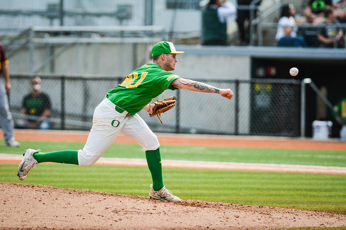 Ducks pitcher Cooper Stiles (#40) came in late in the game to slow down the Sun Devil offense. Despite a late comeback, the Ducks fall to Arizona State Sun Devils 4-3 in the second game of a three-game series. Photo by Jacob Smith, Oregon News Lab