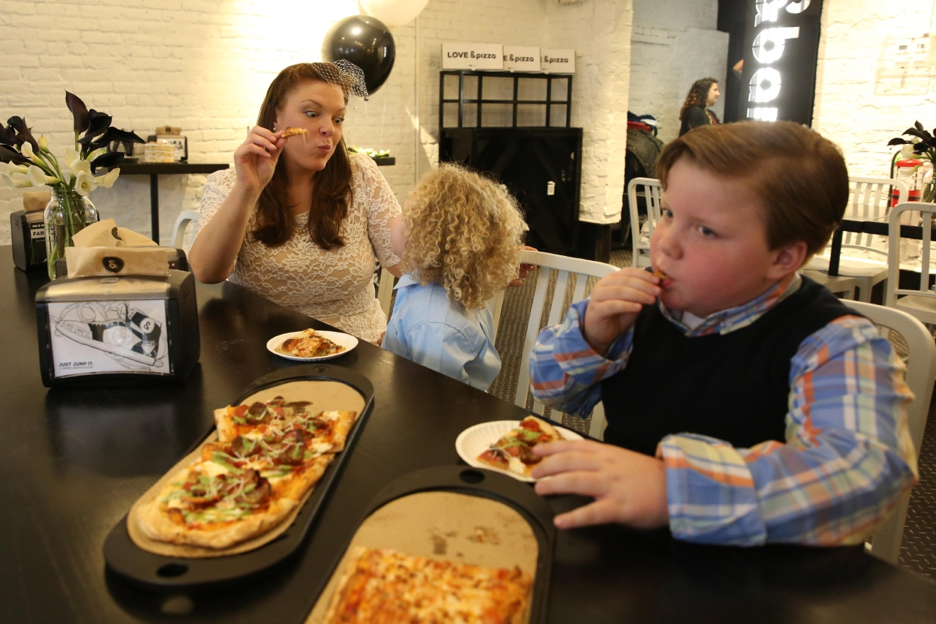 "Jeffrey was especially enthused about the pizza, which he described as ""magical."" (Amanda Andrade-Rhoades/DC Refined)"