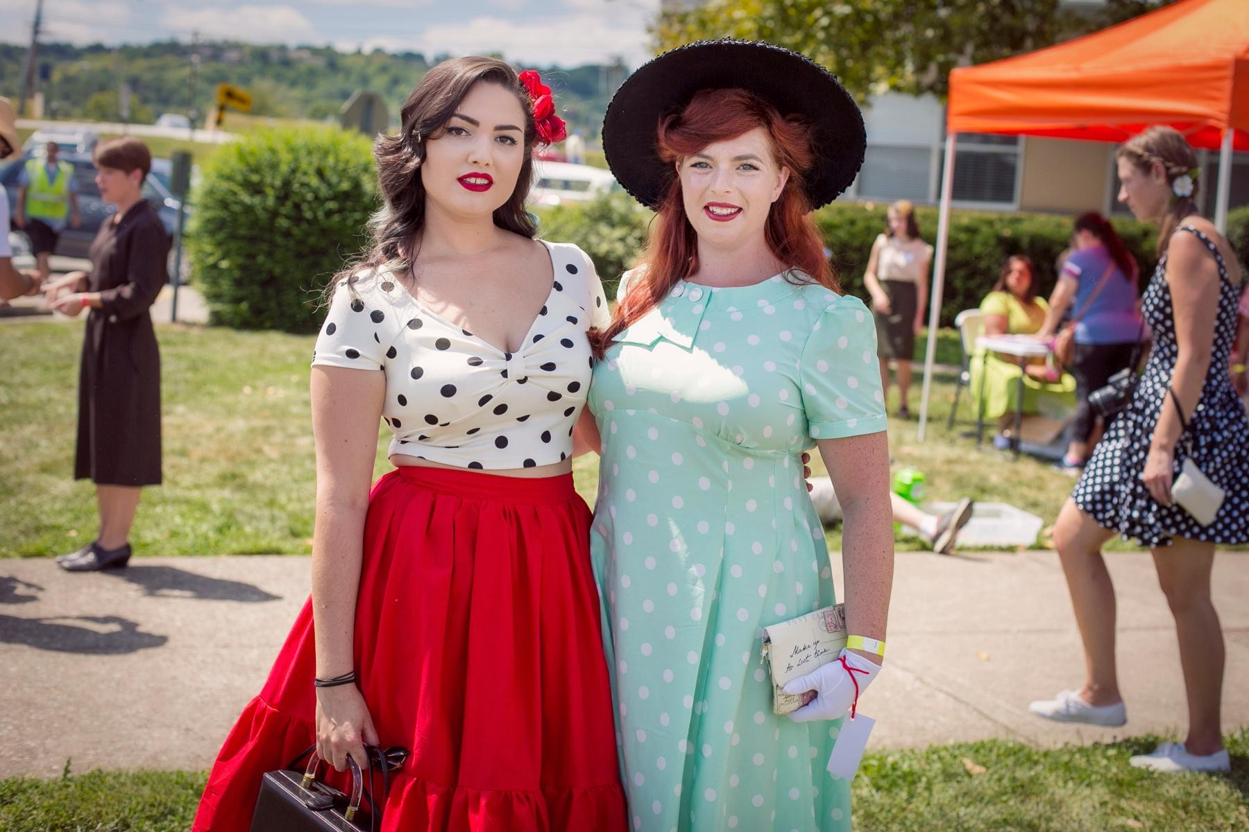 People: Bonnie Oliver and Emily Speeg / Event: 1940s Day Celebration at Lunken (8.12.17) / Image: Mike Bresnen Photography // Published: 9.3.17