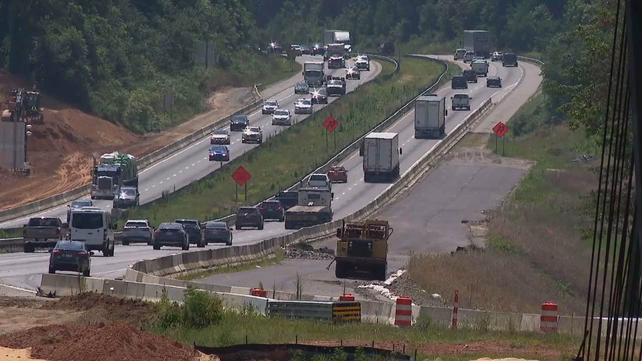 Beginning at 7 p.m. Tuesday, there will be rolling roadblocks with delays of up to 30 minutes on I-26 between U.S. 64 and U.S. 25 Business. (Photo credit: WLOS staff)