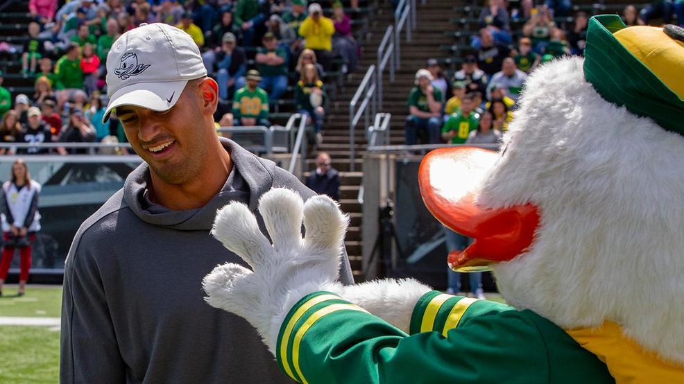 Oregon fans gather at Autzen Stadium for Oregon Spring Game