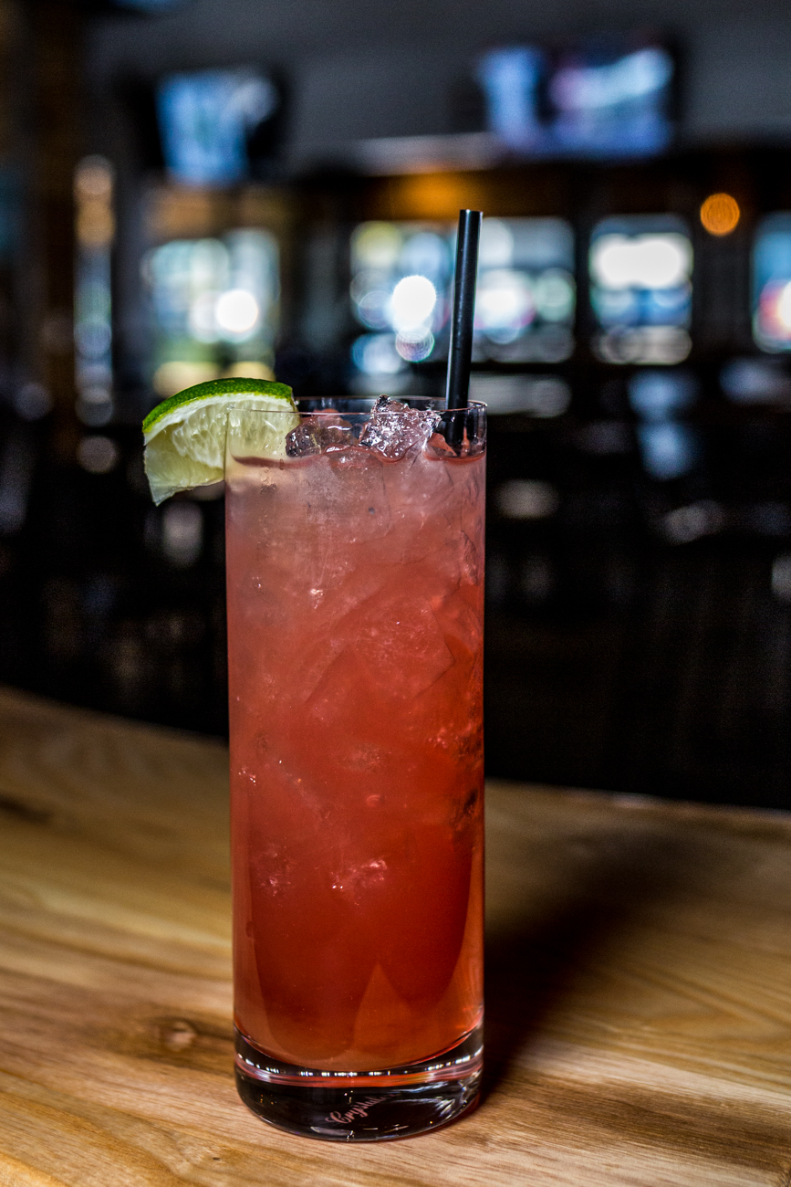 Long Alley: vodka, cranberry, grapefruit, and triple sec / Image: Catherine Viox // Published: 11.10.19