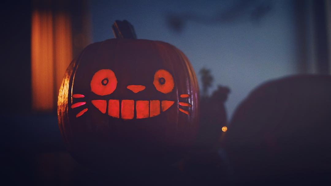 "IMAGE: IG user @amitliz / POST: ""My pumpkin carving!"" / PUBLISHED: 10.21.16"